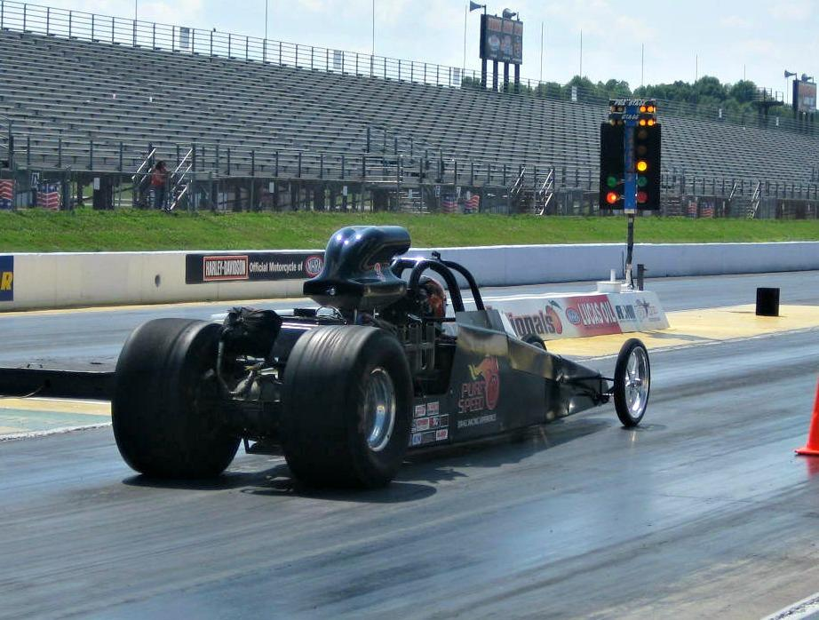Dads & Grads – Buy 1 Get 2 FREE Drag Racing Experiences